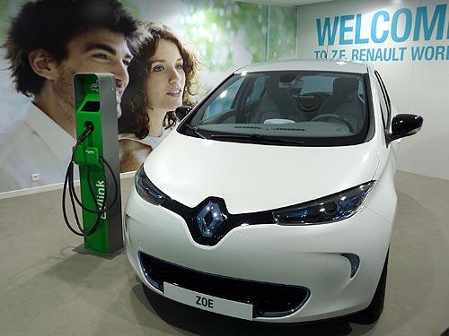Новый рекорд от электрокара Renault Zoe